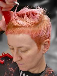 """alt=""""peach colour hair"""""""